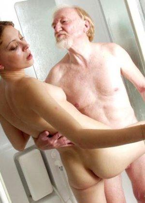 Душе порно дедушки