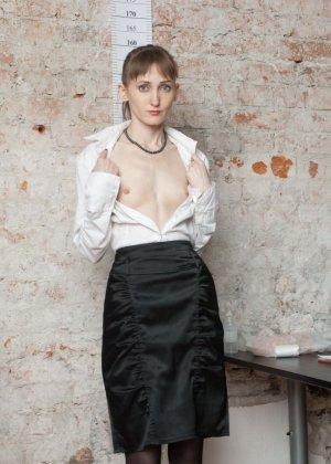 Обнажение на медосмотре, лучшие стоячие груди фото