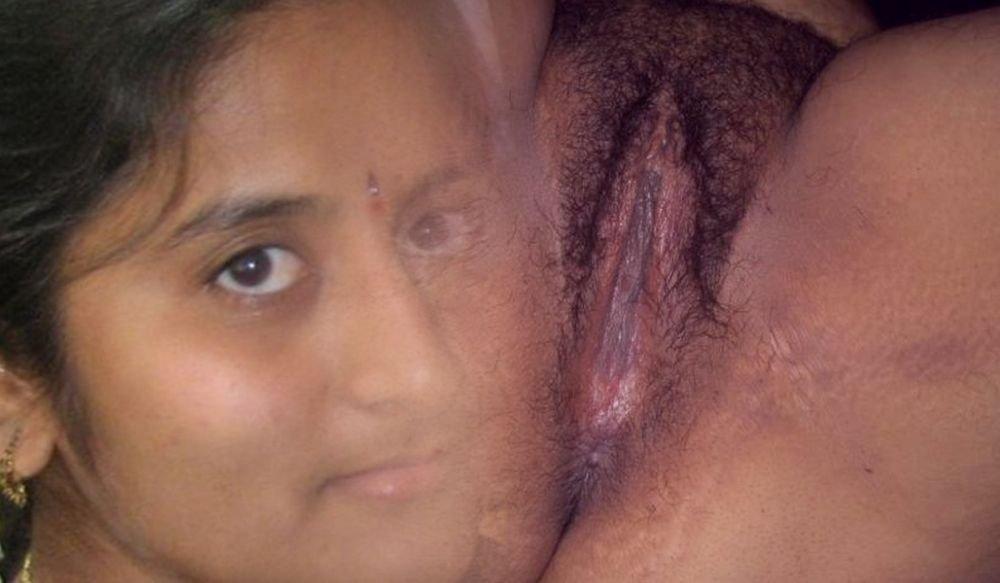 Индуски сосут и позируют