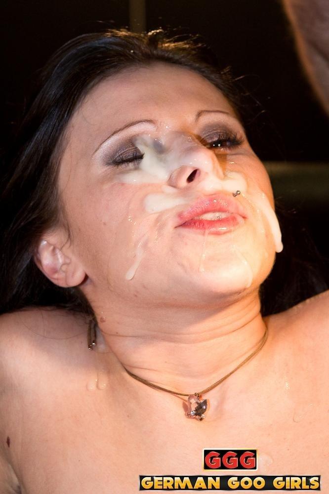 порно вылизывание спермы из пизды