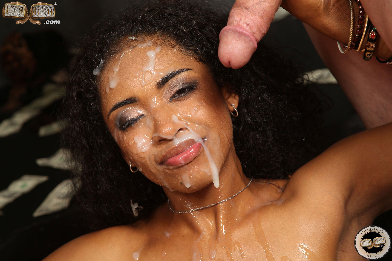 чернокожие красотки любят сперму