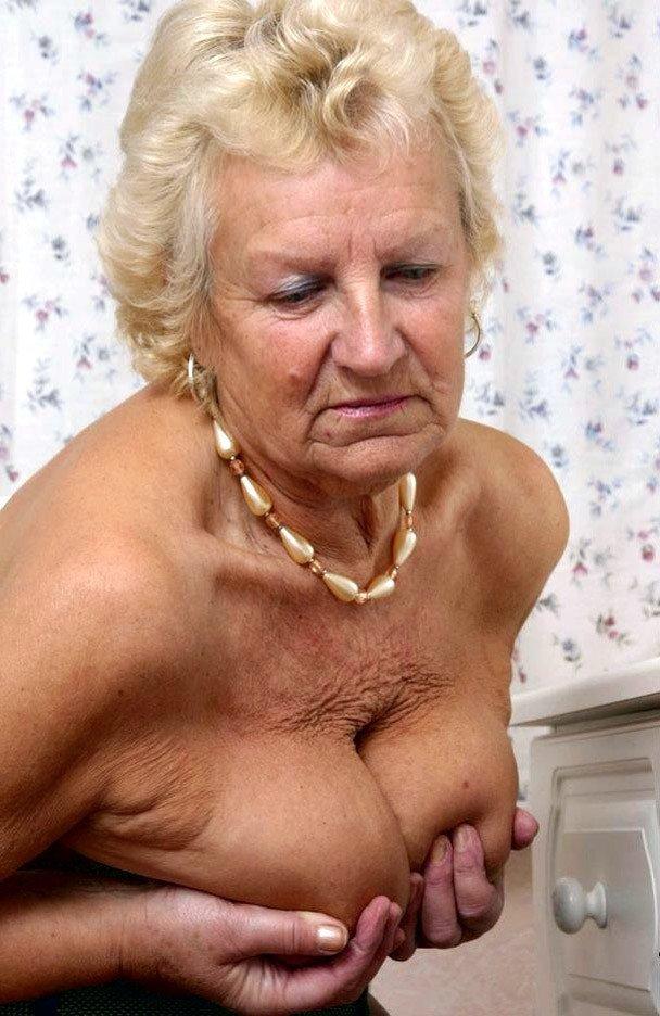 spb-video-foto-vagini-razdolbannie-analnie-dirochki-porno