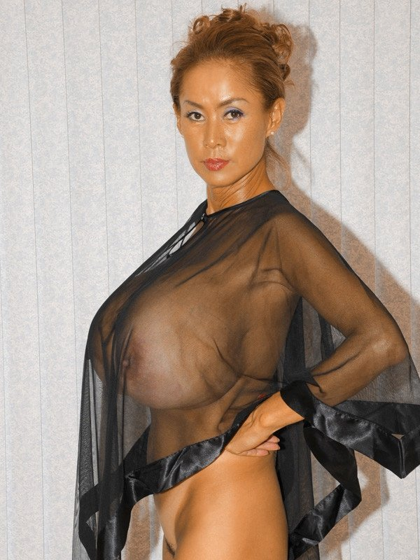 porno-foto-miss-bolshaya-grud