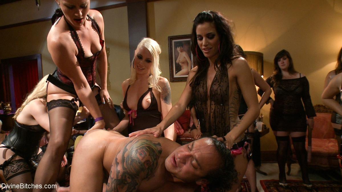 Возбуждающее порно втроем смотрите онлайн на porn0hdcom