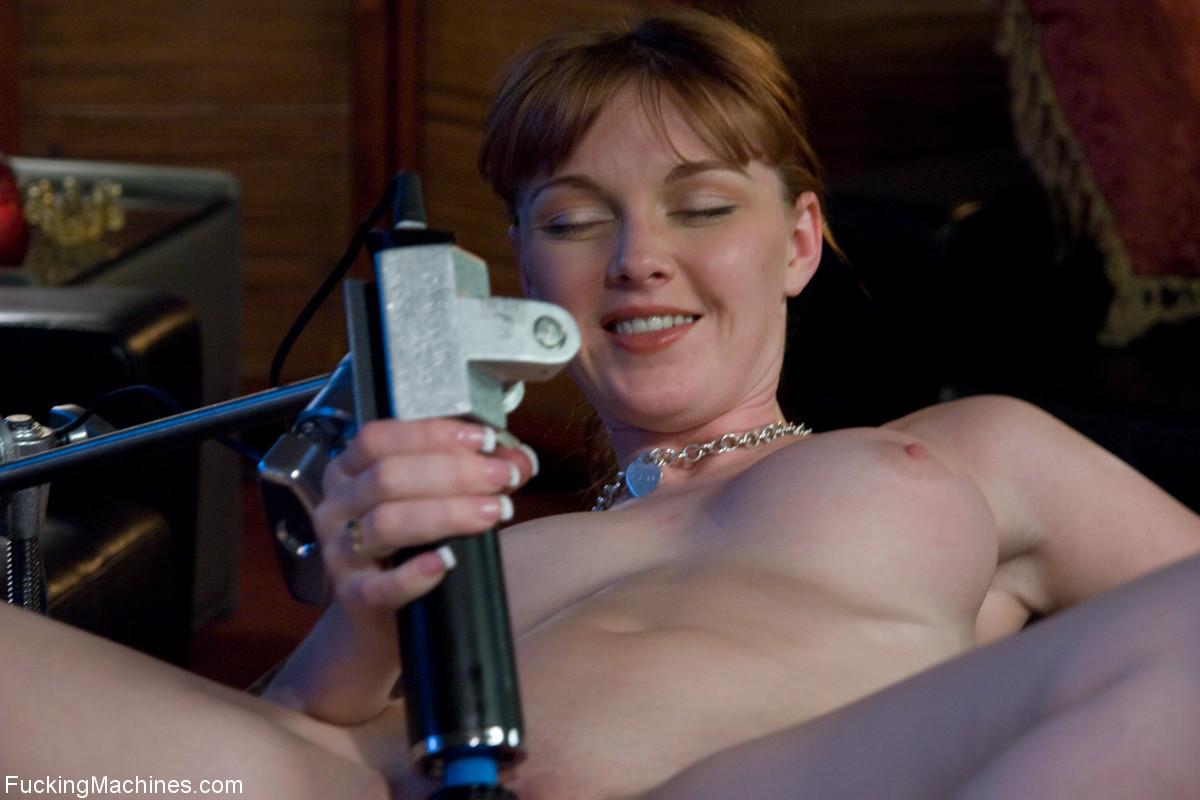 фото порно актрисы шей фокс