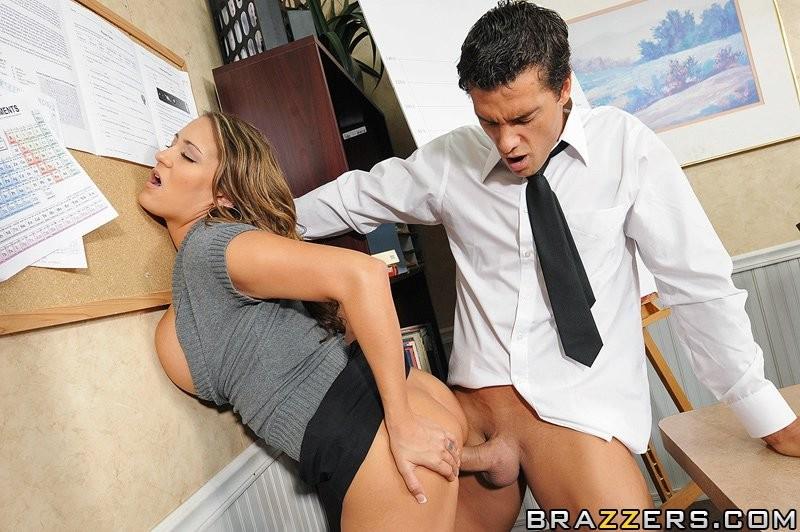 Трахнула клиента в офисе