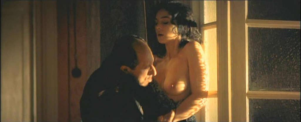 смотреть эротический фильм с моника белуччи