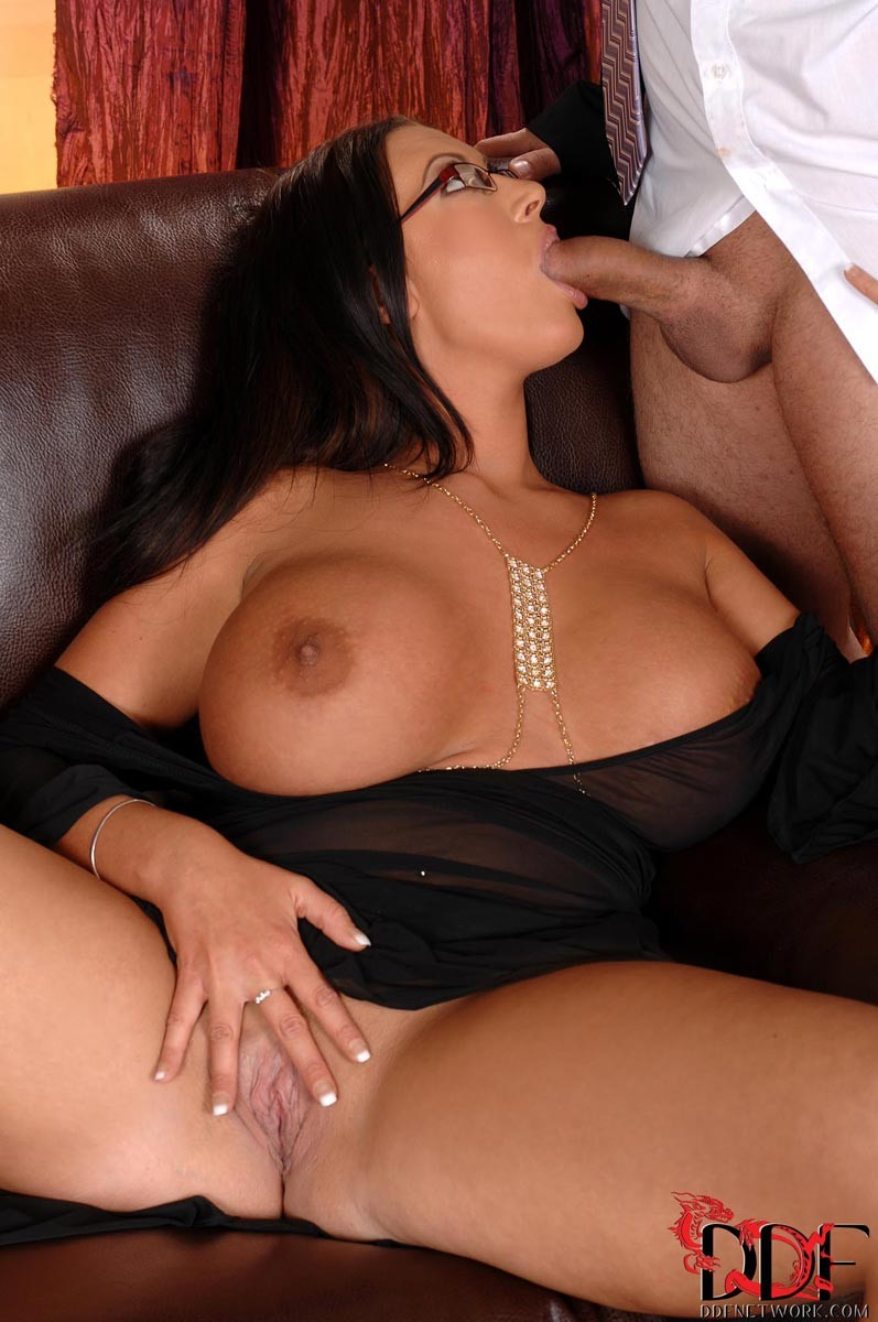 Emma butt порно ролики онлайн