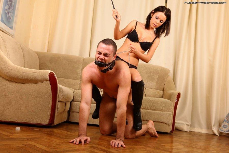 секс видео мужик на поводке