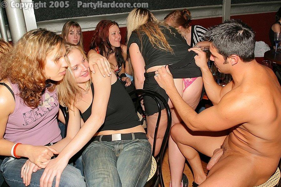 Вечеринка лучших друзей, но лучшие друзья девушек это стриптизеры