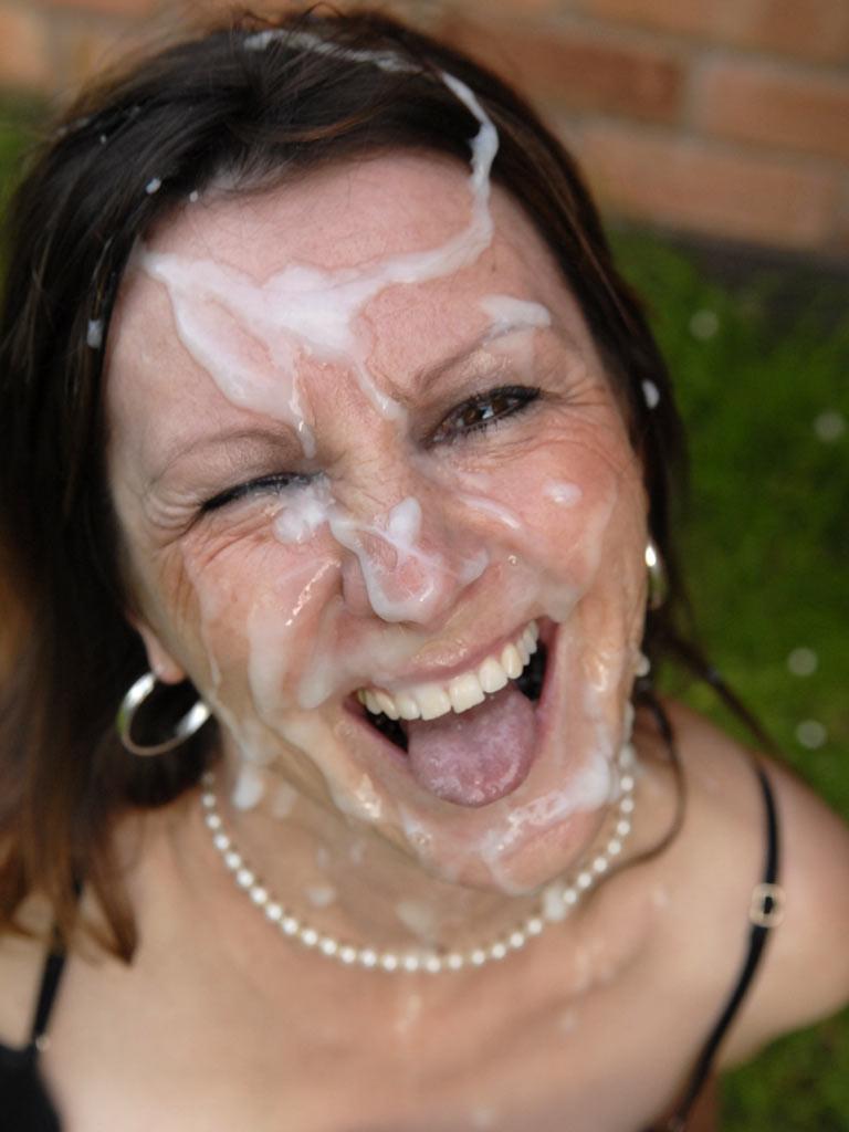 жемчужная сперма на лице фото
