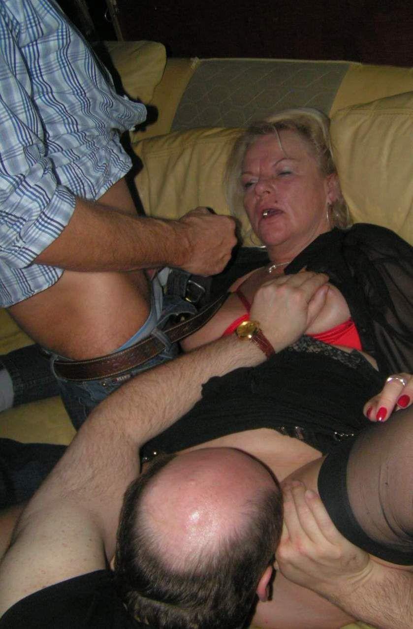 Порно в клубе Секс в ночном клубе