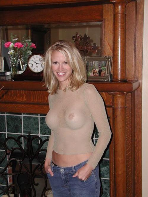 Сперма на подбородке красивой спелой блондинки