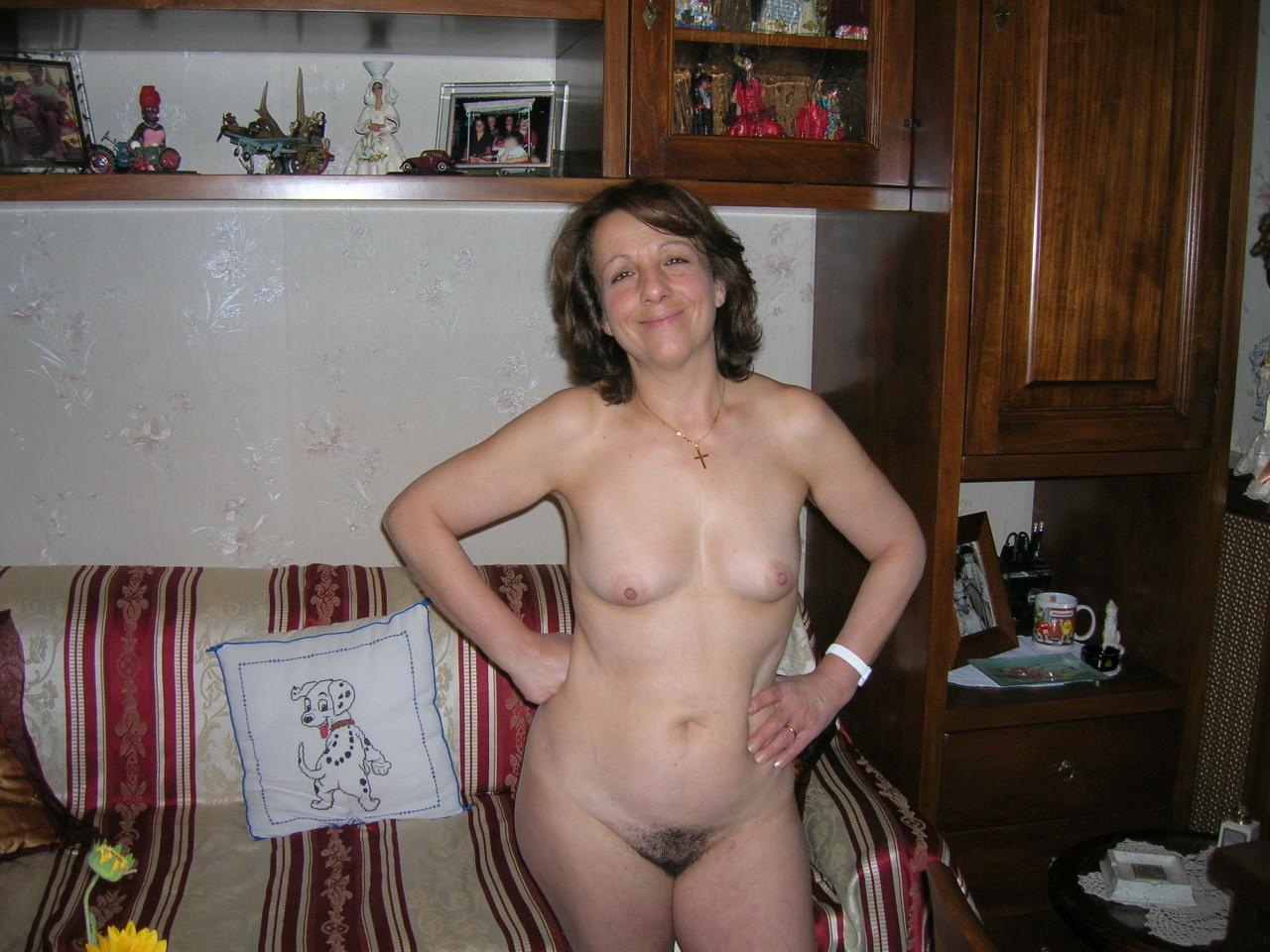 Русская голая жена дома, голые жены Частное порно фото голых жен 5 фотография