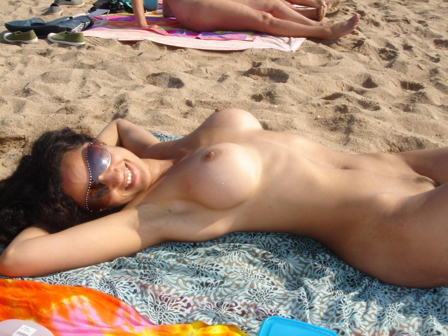 Amatuer beach nude