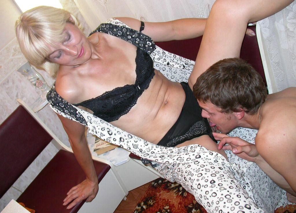 Порно фото дамы в возрасте с молодыми