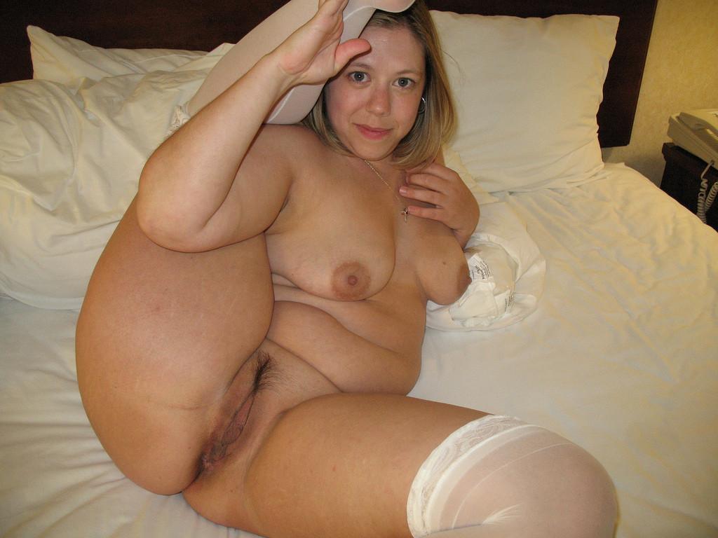 голые девушки в теле часное фото