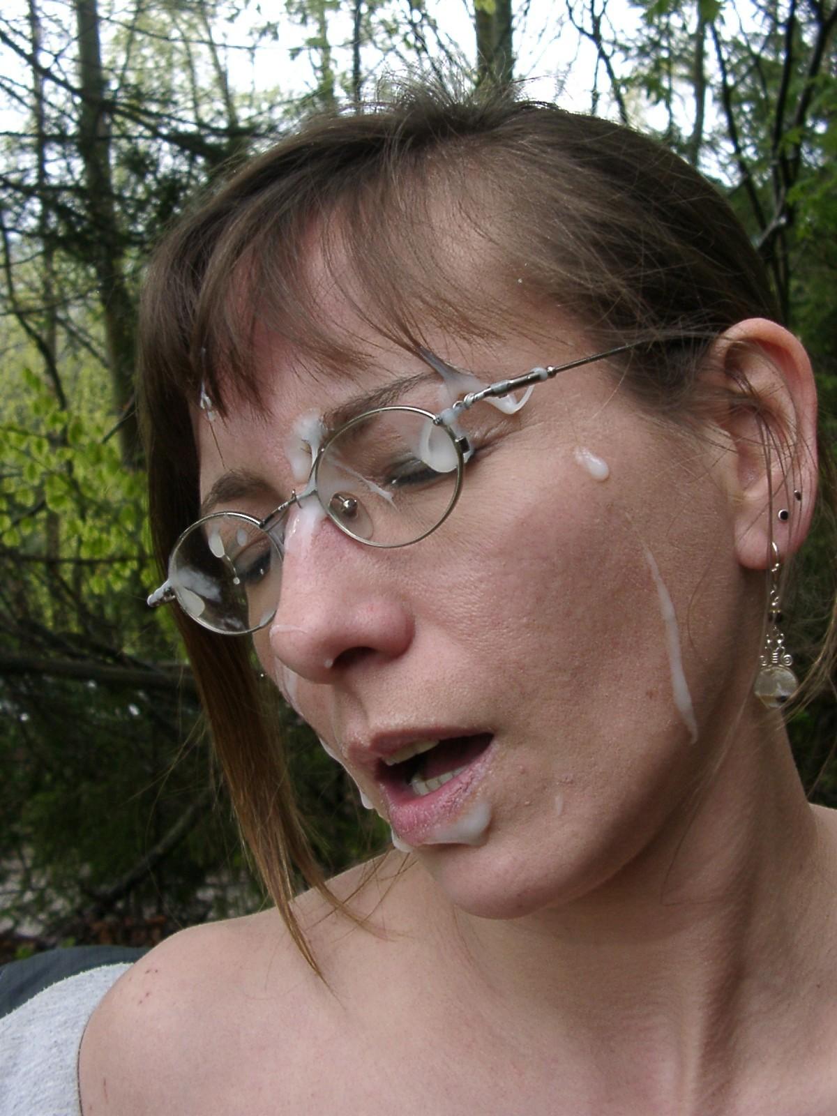 Жена любит когда я ей кончаю на лицо