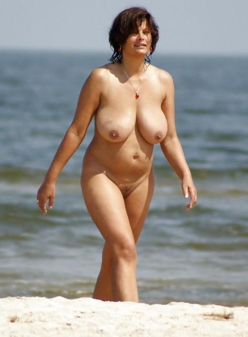 Milf whip nude babe
