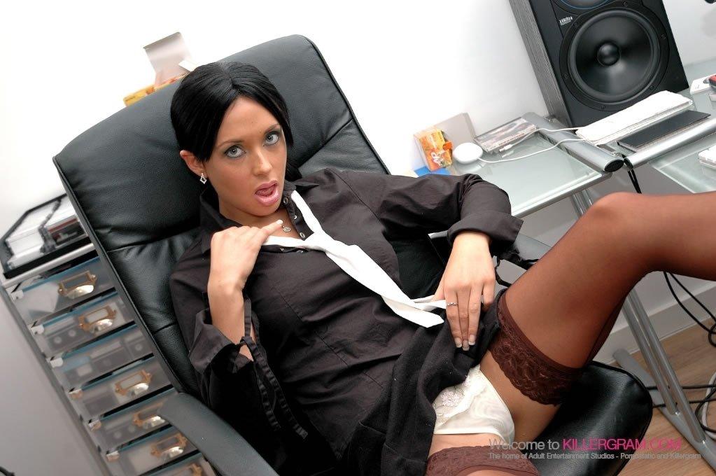 Сексуальная секретарша как проститутка
