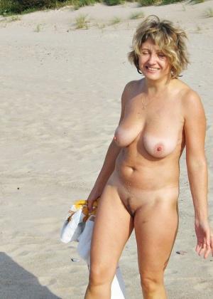 фото голых теть на пляже