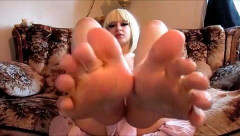 Мои ножки хотят поцелуев