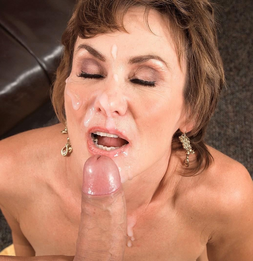 Фото женщины в сперме 2