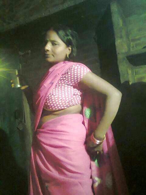 Индианка показала интимные части тела