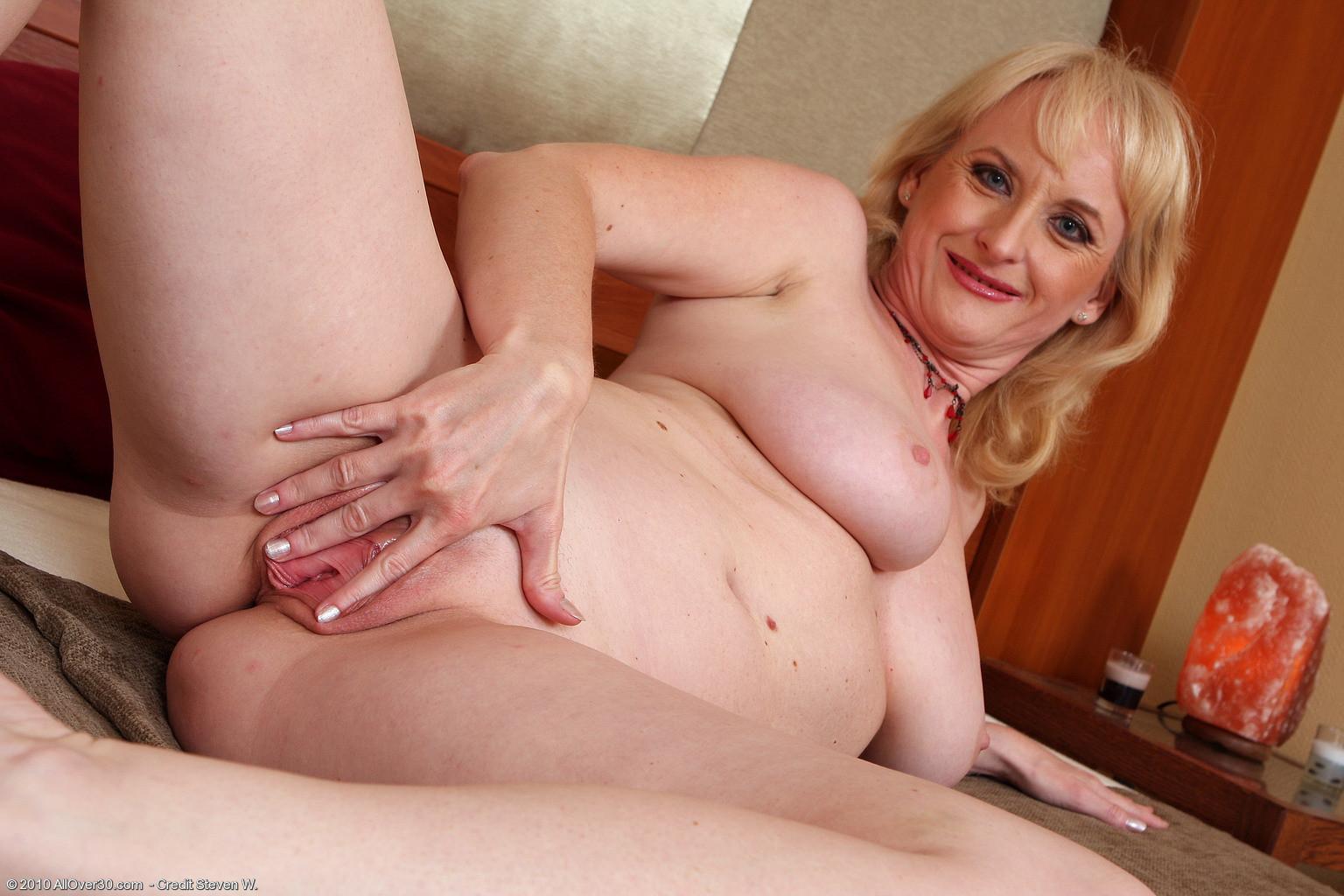Порно пожилые блондинки