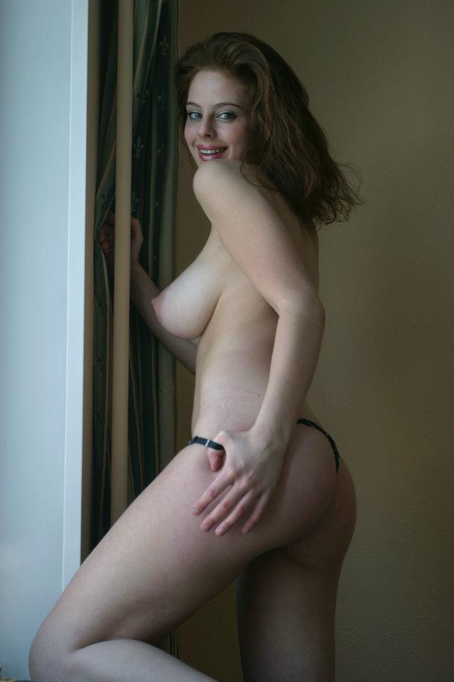 Русская модель с красивой, большой грудью