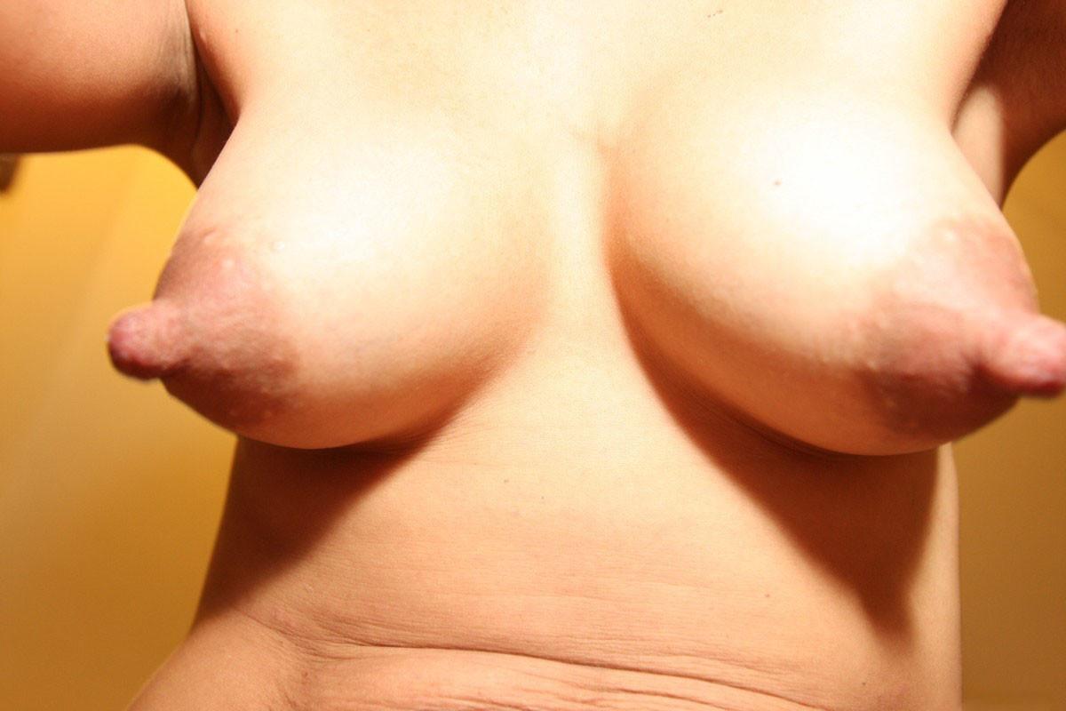 Грудь с набухшими сосками порнофото