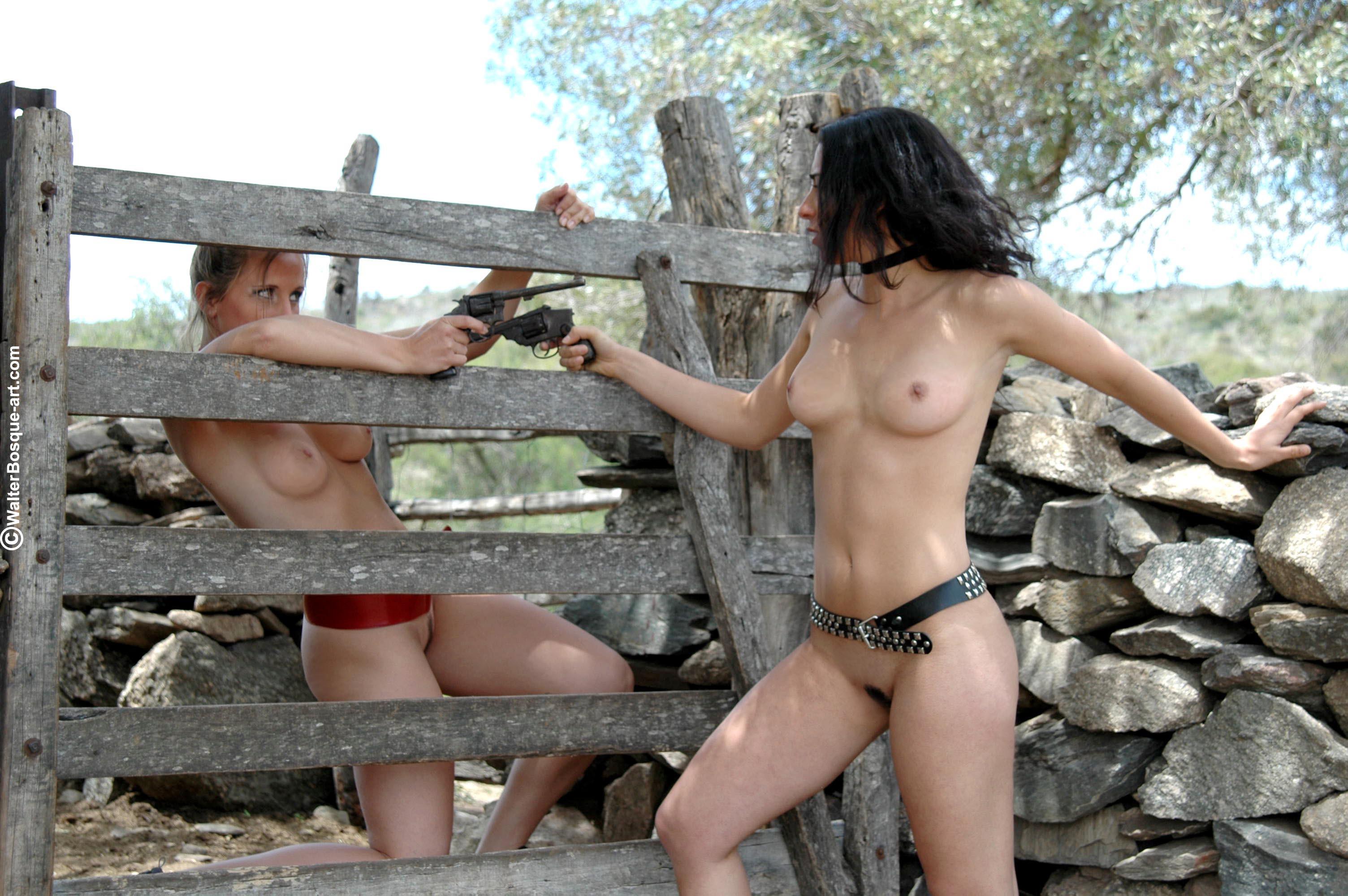 Сексуальные телки в деревне
