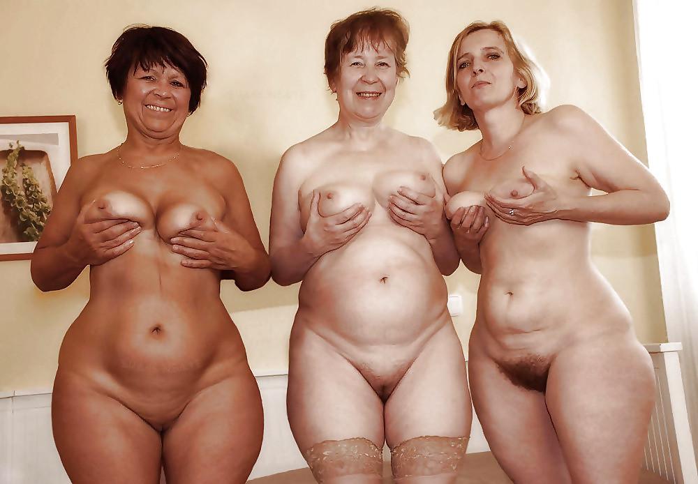 Голые Женщины Постарше Онлайн