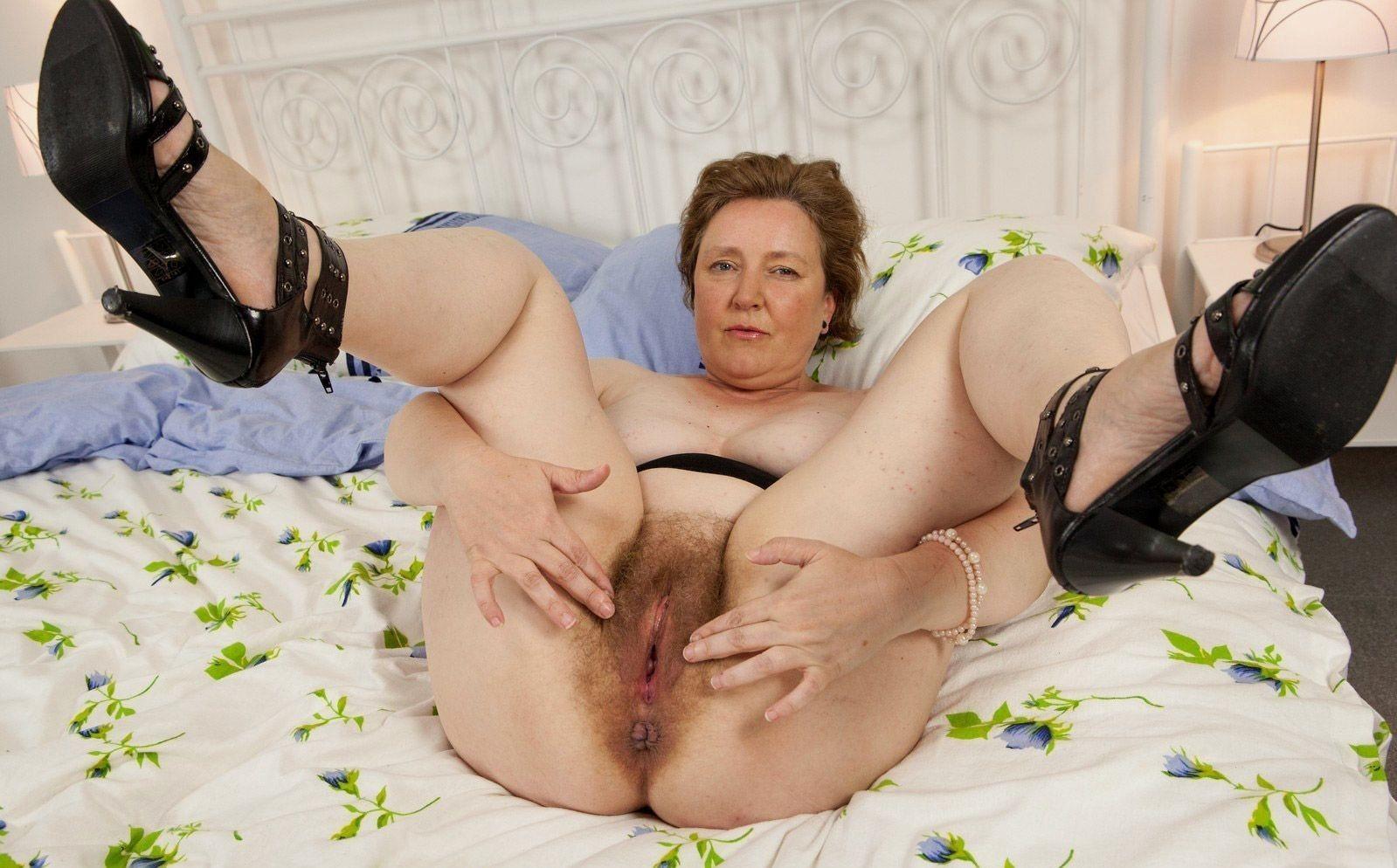Пизду порно показывают фото старухи