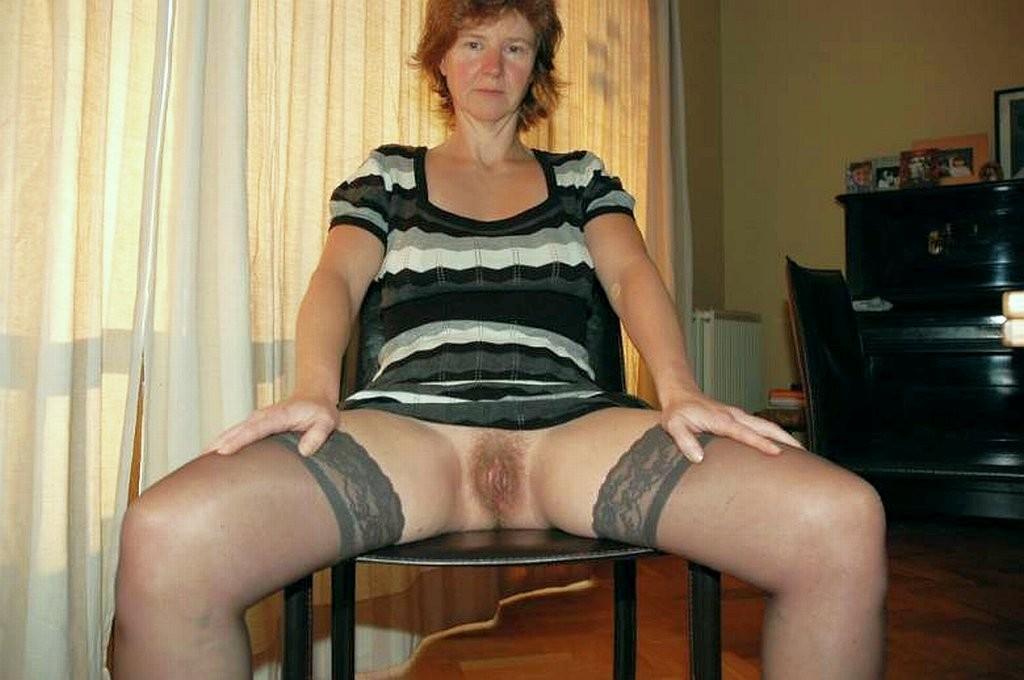 порно зрелые мамы в чулках под юбкой частное