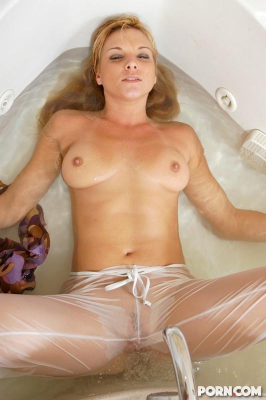 Veronika Raquel - В ванной - Порно галерея № 3487555