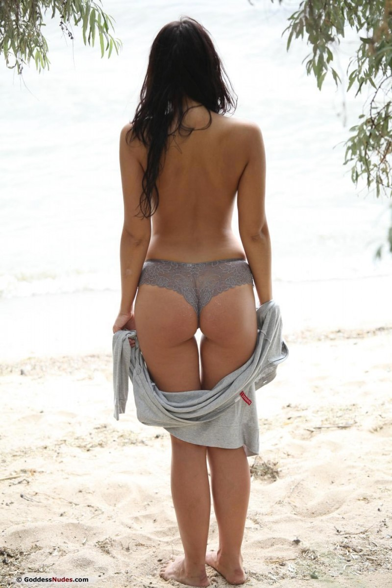 На пляже - Порно галерея № 3542151