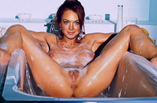Lindsay Lohan - В ванной - Галерея № 3390422