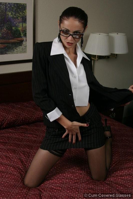 Узкая жопа секретарши