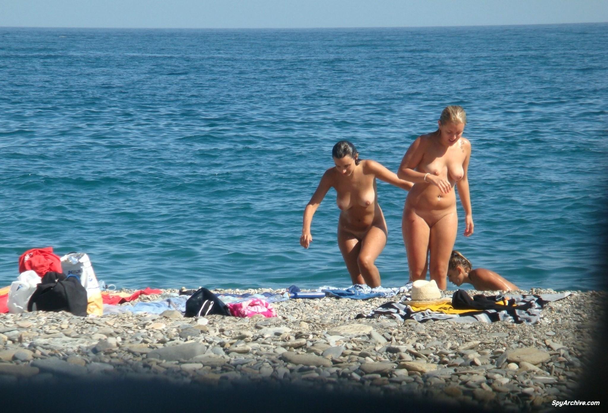 На пляже - Порно галерея № 3418178
