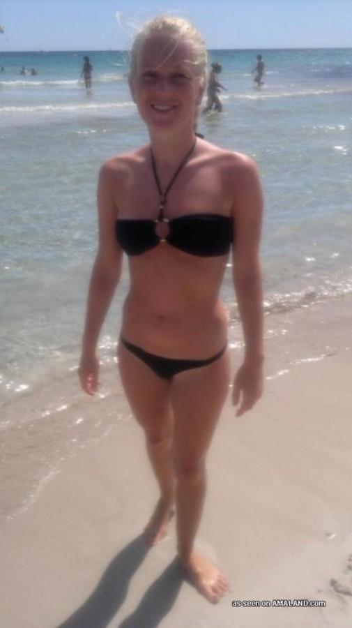 На пляже - Галерея № 3377703