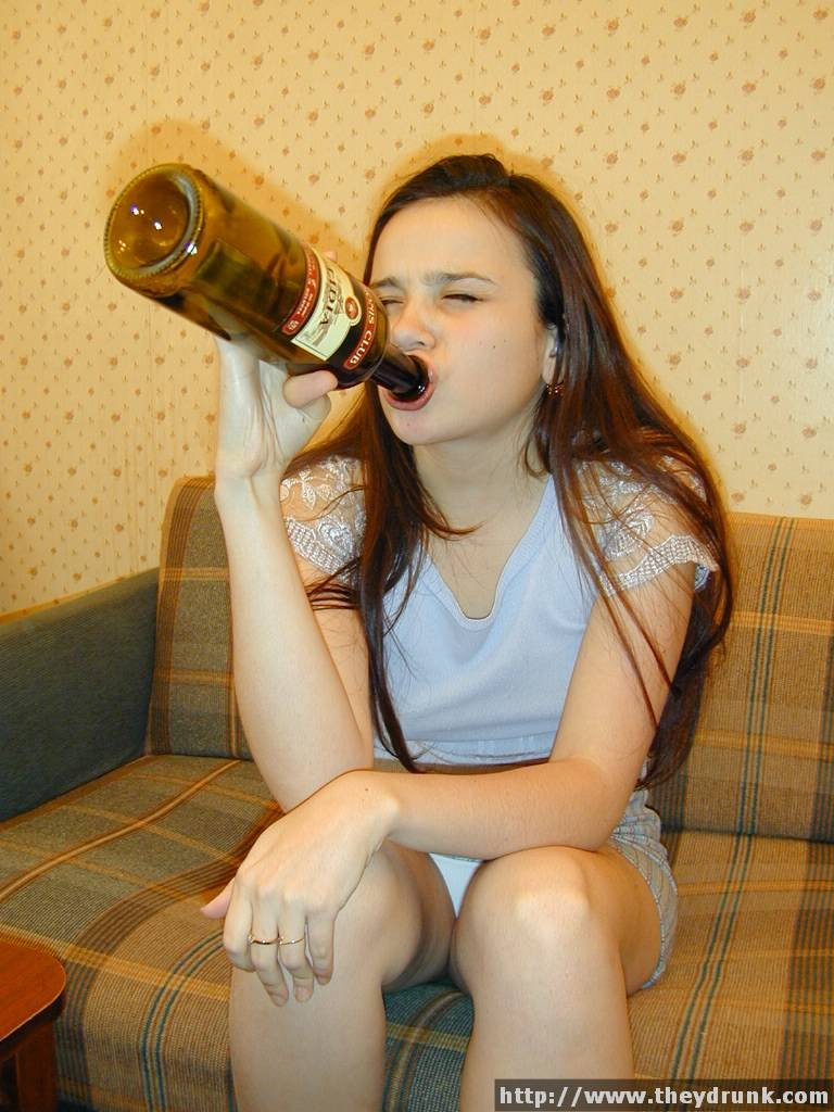Шампанское во влагалище порно видео