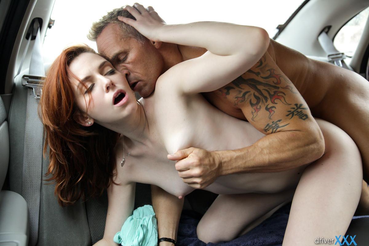 seks-v-mashine-pozi