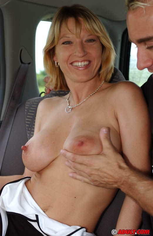 Serena Stevens - В машине - Галерея № 1410401