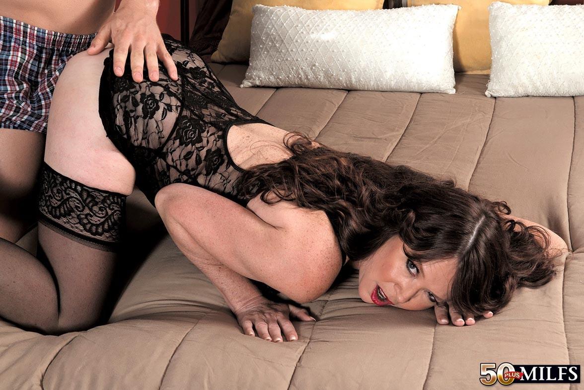 Смотреть порно в кружевном белье Видела что-то
