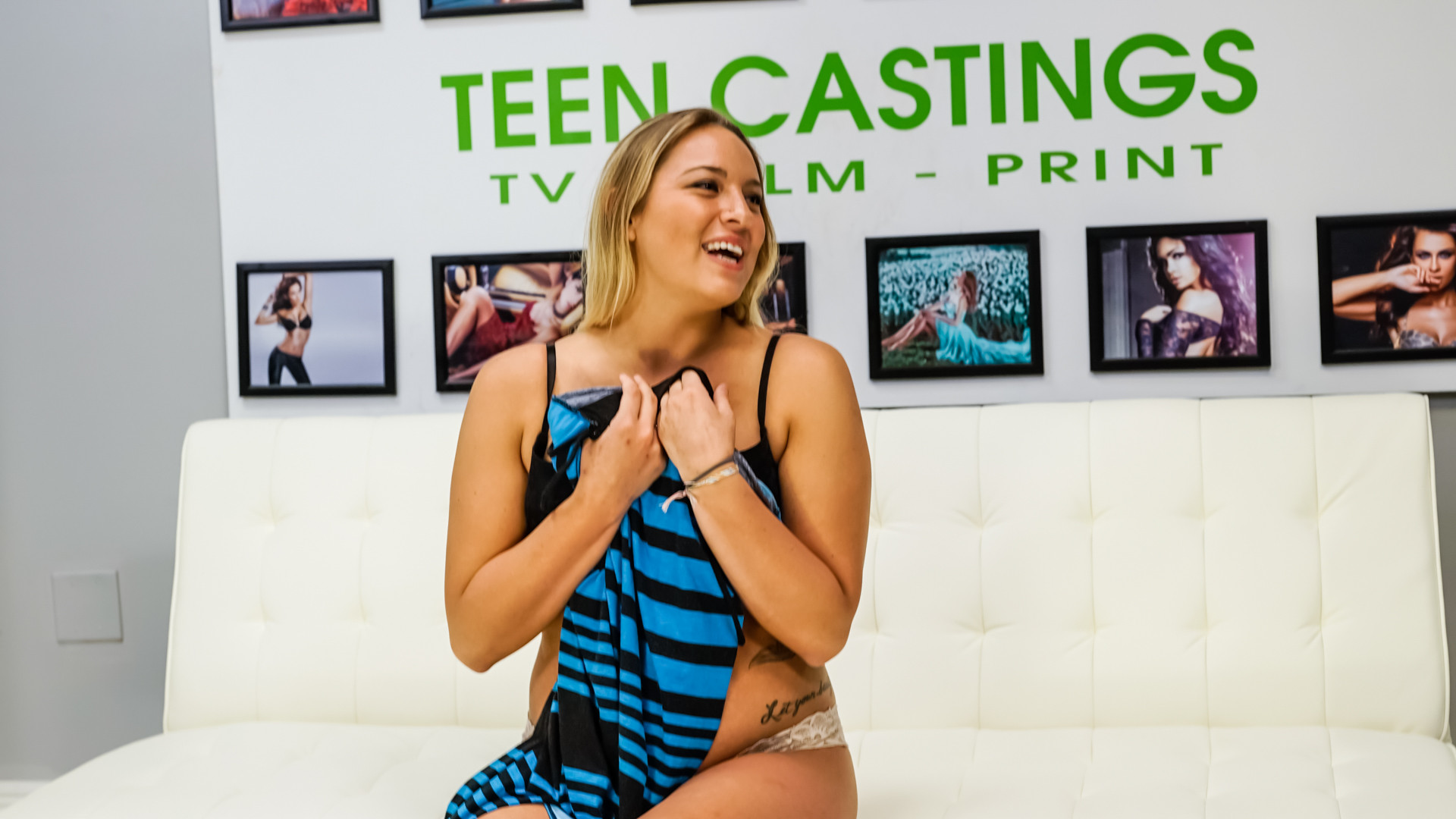 Scarlett Jennings - Глубокая глотка - Порно галерея № 3525421
