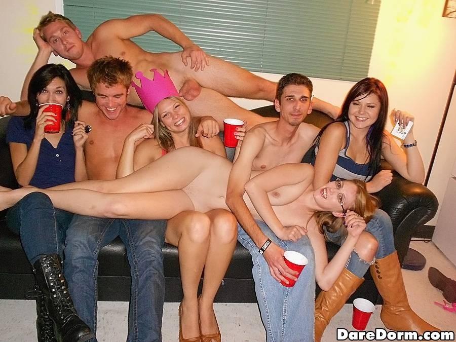 Вечеринки студенты в общаге видео