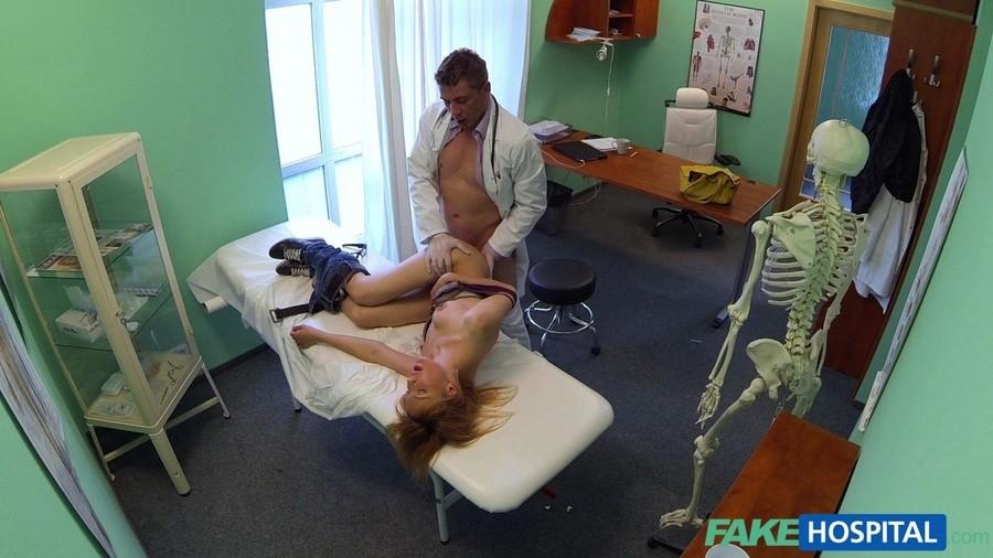 Врач отодрал свою пациентку видео скрытой камерой