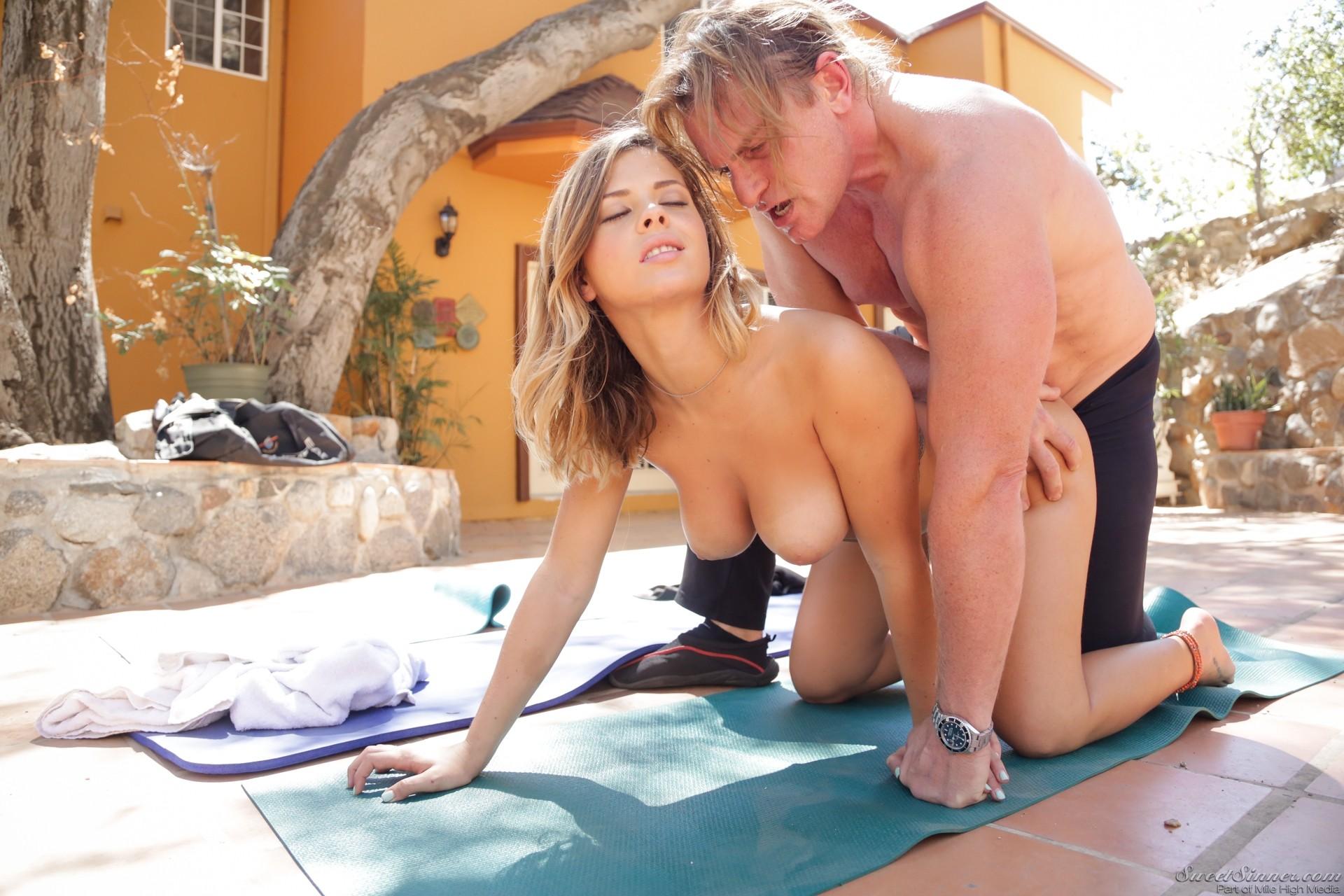 Keisha Grey, Evan Stone - В позе раком (доггистайл) - Порно галерея № 3441139