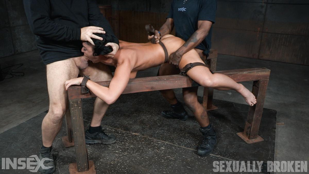 Секс втроем фото садо-мазо